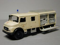 Mercedes-Benz LA 911 B  Equipement Truck German Red Cross